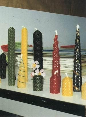 用蜜蜂蜂蜡制作的各种工艺品